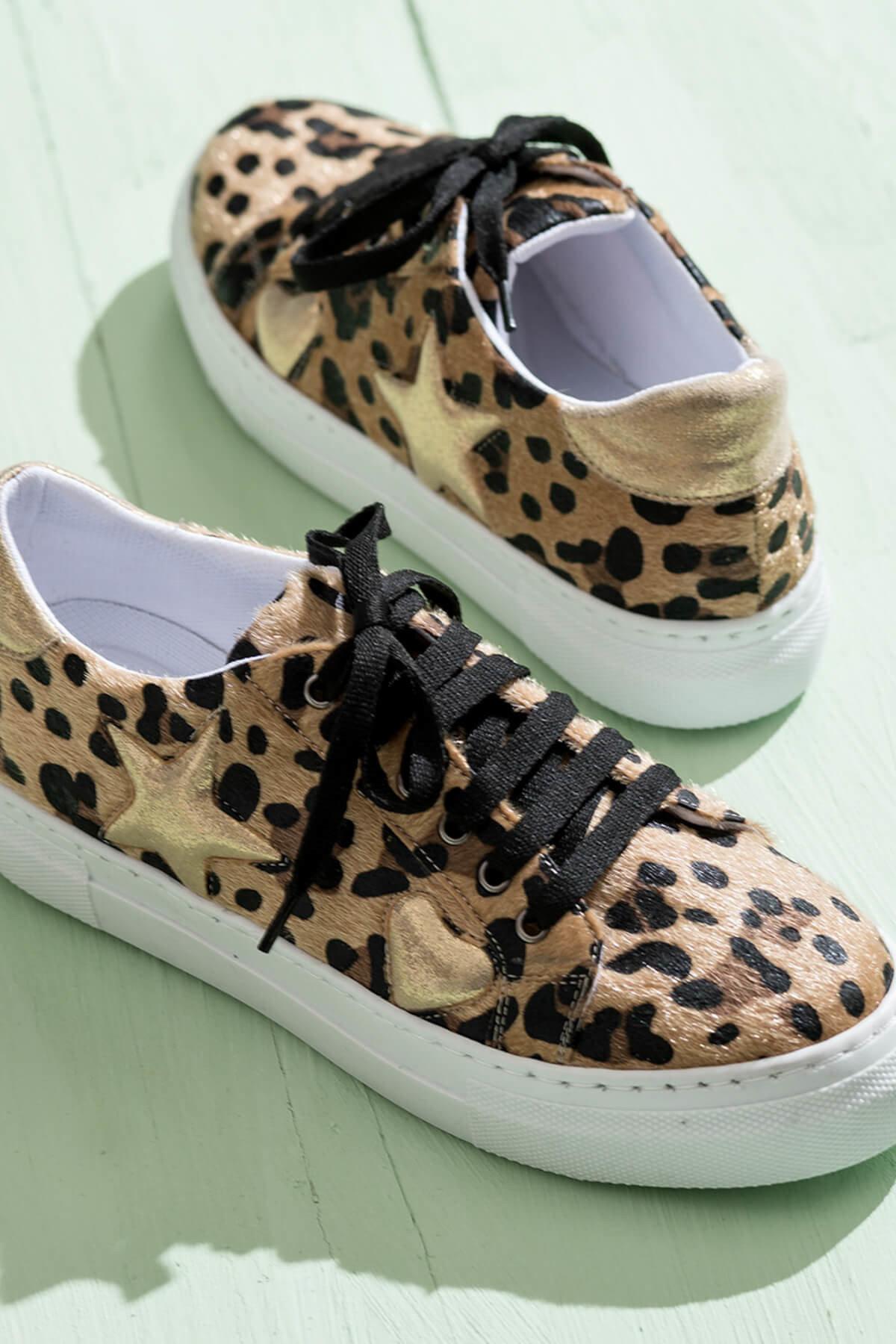 حذاء بناتي ونسائي ماركه ايلي التركية المرقط