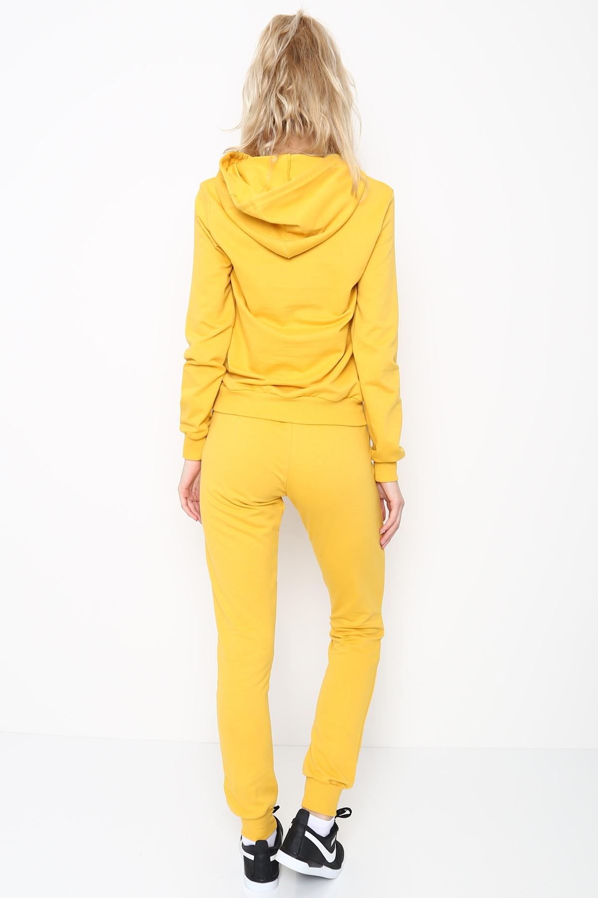 طقم بيجاما رياضية ماركة اديداس  بقبعة لون اصفر